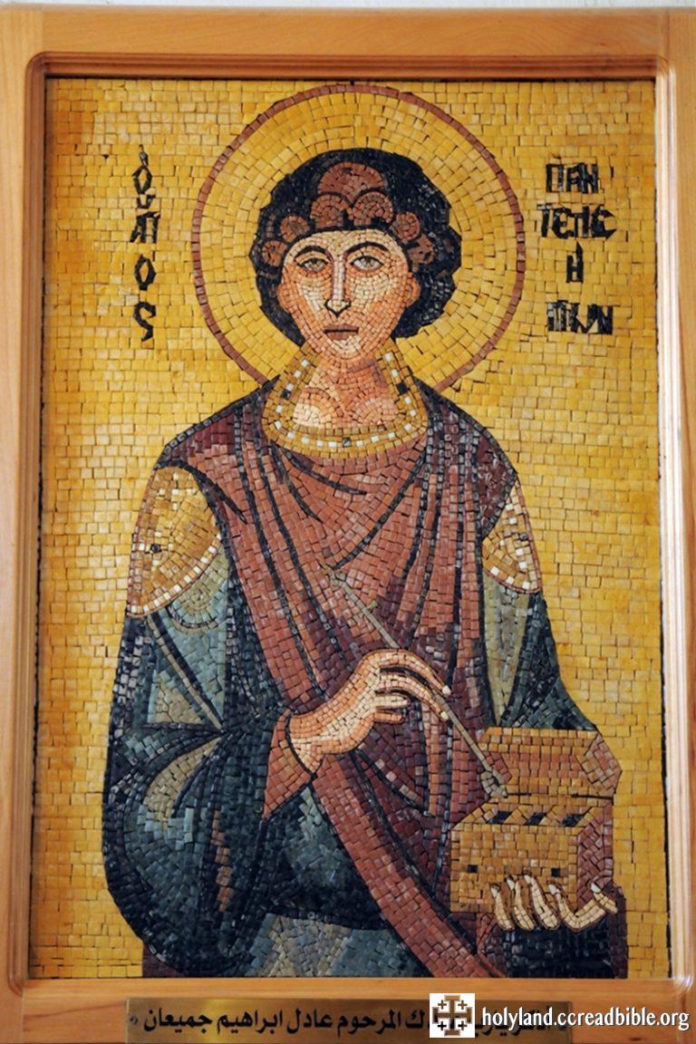 聖喬治教堂的廊柱與牆壁上,有一幅幅的馬賽克畫